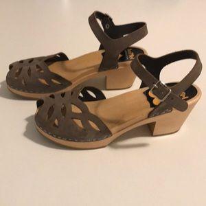 Swedish Hasbeens Ornament High Sandals dark grey